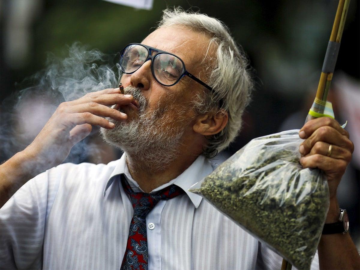 Does smoking marijuana affect your memory